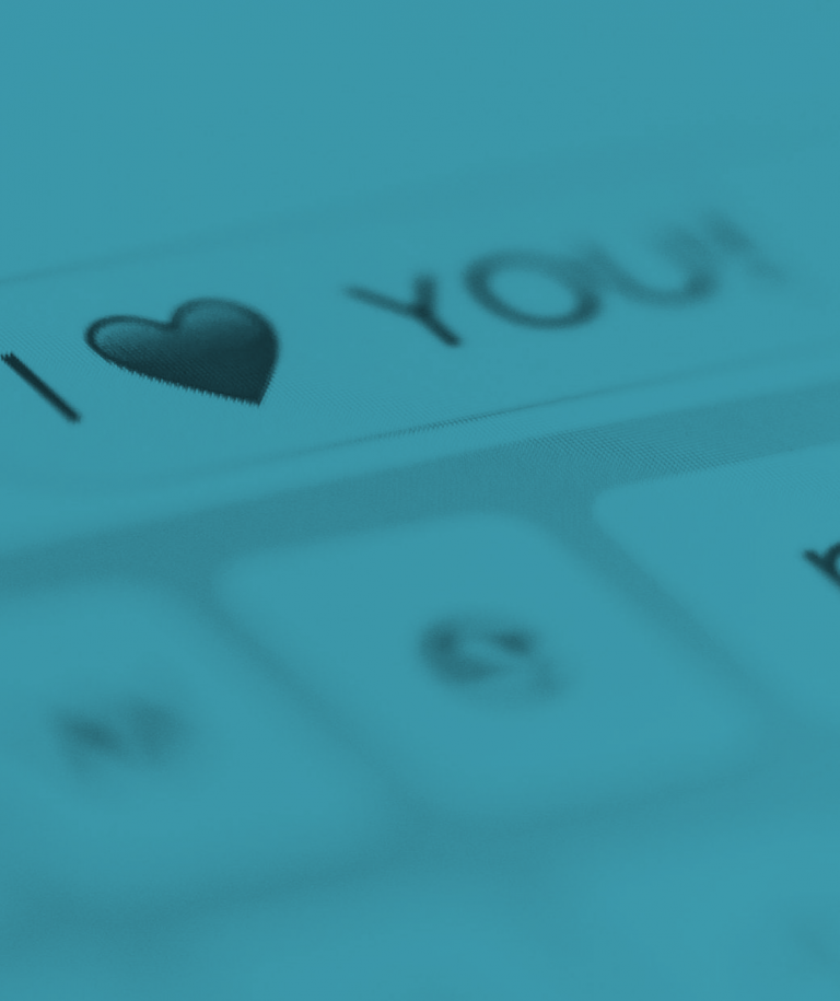 i-love-you-message-on-mobile-phone-close-up_free_stock_photos_picjumbo_DSC03044-2210x1474